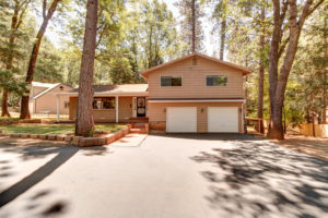 14101 Menlo Court-large-001-27-Front of Home-1498x1000-72dpi